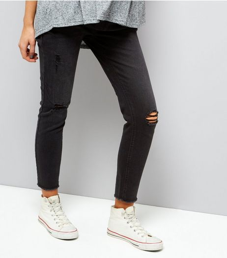 Maternity Black Ripped Knee Under Bump Jeggings | New Look