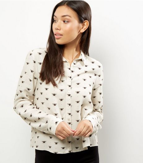 White Bee Print Cropped Shirt | New Look