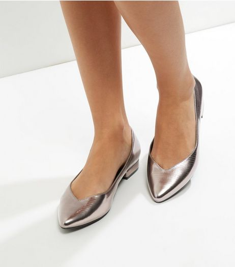 Wide Fit Pewter Metallic V Throat Toe Pumps | New Look