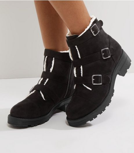 Wide Fit Black Suedette Faux Shearling Trim Ankle Boots | New Look