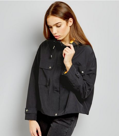 Black Boxy Cropped Anorak | New Look