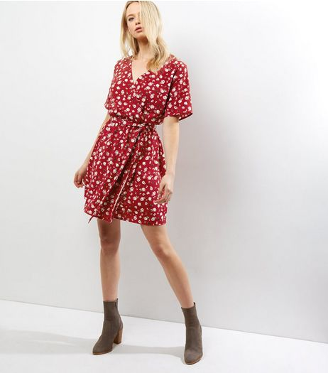 Tall Red Ditsy Floral Wrap Front Dress | New Look