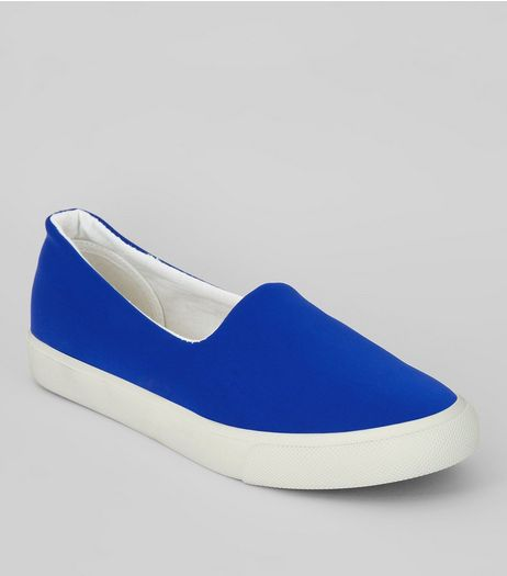 Bright Blue Scuba Plimsolls | New Look
