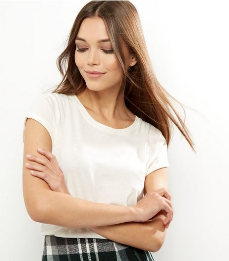 Petite Cream Rolled Sleeve T-shirt | New Look