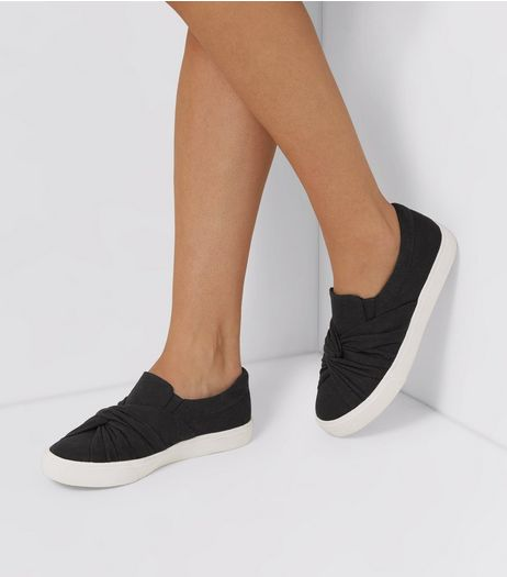 Black Knot Top Plimsolls | New Look