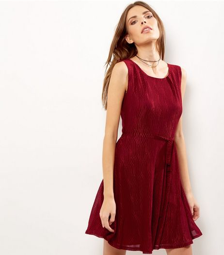 Mela Burgundy Abstract Print Tie Waist Dress | New Look