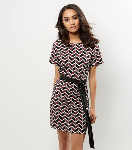 Petite Red Geomentric Belted Tunic Dress | New Look