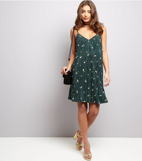 Green Rosebud Print Pleated Mini Dress | New Look