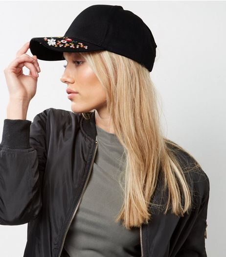 Black Floral Embroidered Cap | New Look
