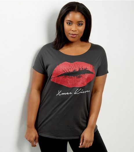 Curves Dark Grey Xmas Kisses T-shirt | New Look