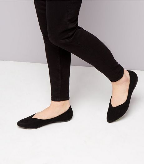 Teens Black Suedette V Front Pumps | New Look