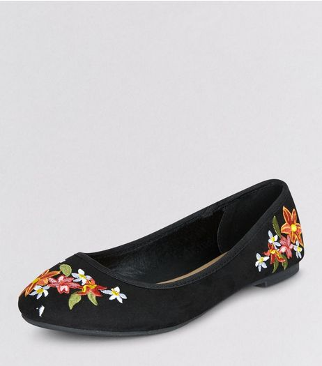 Teens Black Suedette Floral Embroidered Pumps | New Look