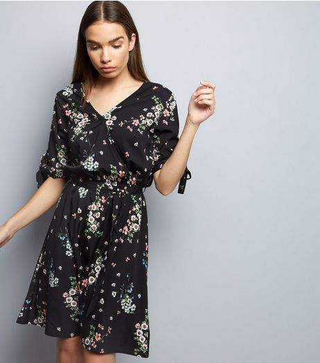 Tall Black Floral Tie Waist Wrap Front Dress | New Look