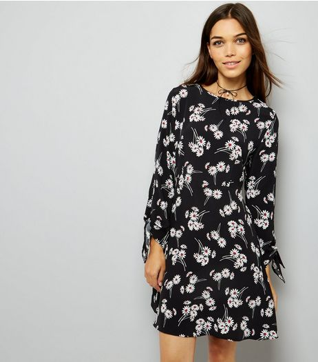 Black Daisy Print Tie Sleeve Dress  | New Look