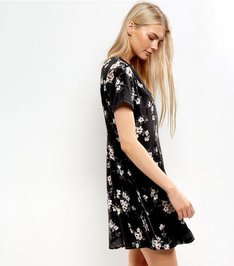 Black Floral Short Sleeve Tea Dress | New Look