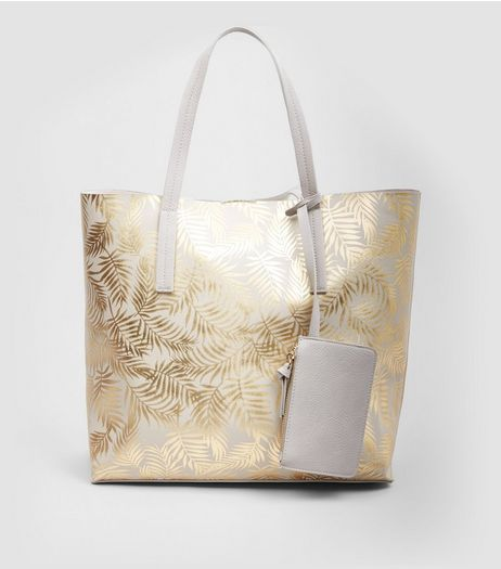 Gold Metallic Embossed Leaf Shopper Bag | New Look