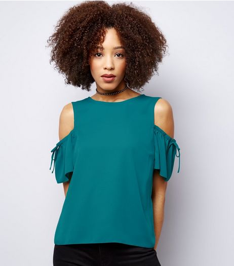 Green Cold Shoulder Gathered Sleeve Top | New Look