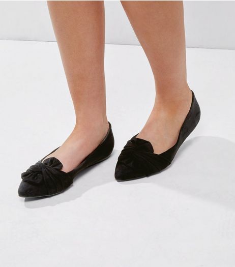 Wide Fit Black Suedette Knot Front Pumps | New Look