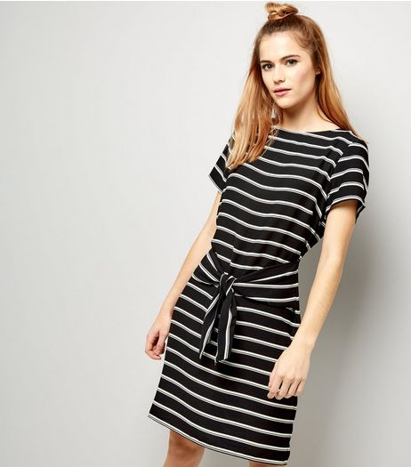 Black Stripe Tie Waist Tunic | New Look
