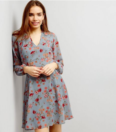 Blue Floral Chiffon Tie Back Skater Dress | New Look