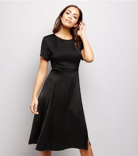Black Sateen Short Sleeve Side Split Midi Dress | New Look