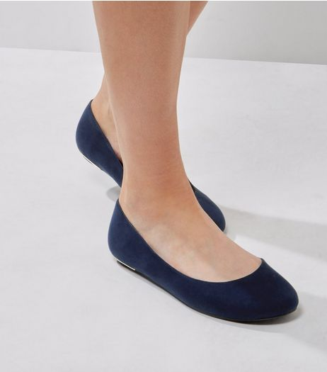 Extra Wide Fit Navy Suedette Metal Trim Pumps | New Look