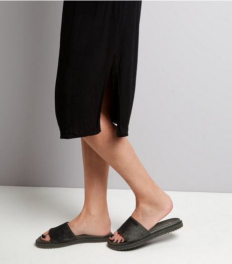 Wide Fit Black Textured Leather Sliders | New Look