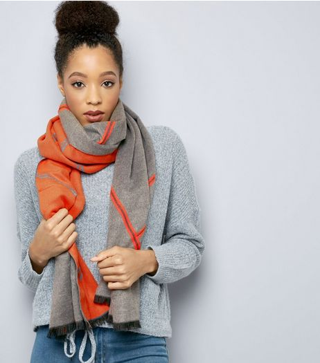 Grey Contrast Stripe Scarf | New Look