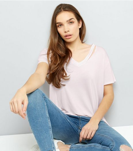 Lilac Cut Out V Neck T-Shirt | New Look