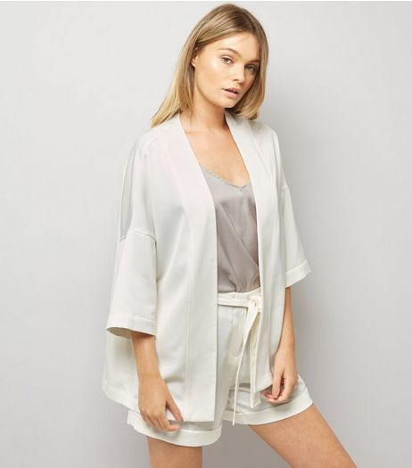 Cream Sateen Kimono Jacket | New Look