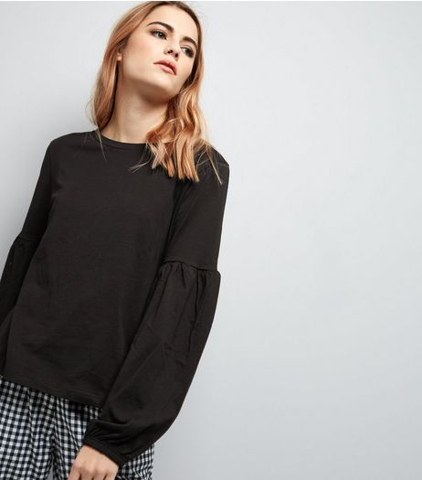 Black Gathered Balloon Sleeve T-Shirt | New Look