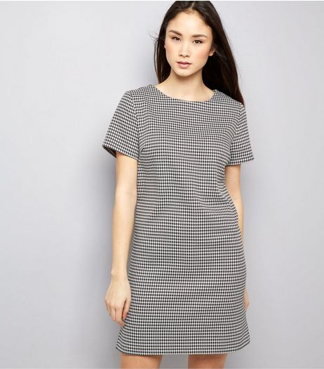 Black Dogtooth Print Short Sleeve Tunic Dress  | New Look