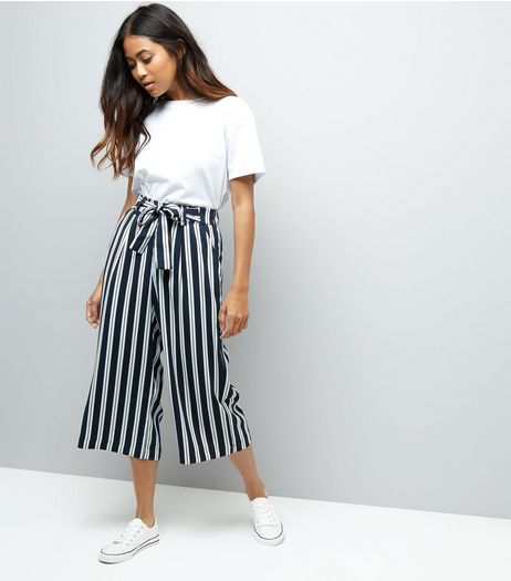Petite Navy Stripe Tie Waist Wide Leg Cropped Trousers | New Look