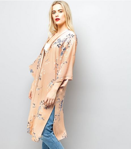 Pink Floral Print 3/4 Sleeve Longline Kimono  | New Look