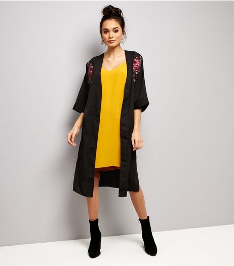 Black Floral Embroidered Split Side Longline Kimono | New Look