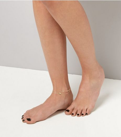 2 Pack Gold Heart Chain Anklets | New Look