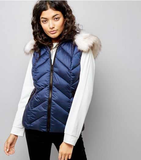 Navy Faux Fur Trim Quilted Gilet | New Look