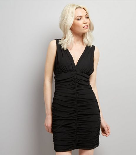 Petite Black V Neck Ruched Bodycon Dress | New Look