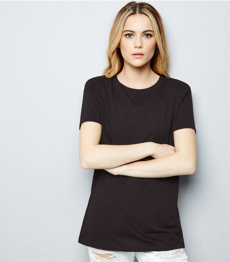 Black Shoulder Pad Boyfriend T-Shirt  | New Look