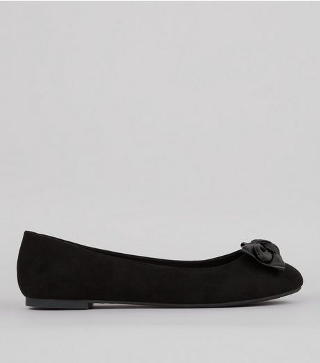 Wide Fit Black Suedette Bow Front Pumps | New Look