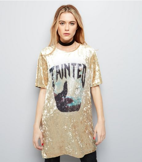 Gold Velvet Tainted Wolf Print Longline T-Shirt | New Look
