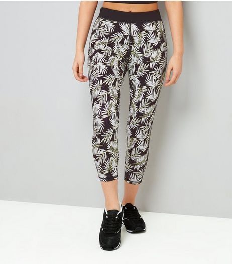 Teens Black Palm Leaf Print Cropped Sports Leggings | New Look
