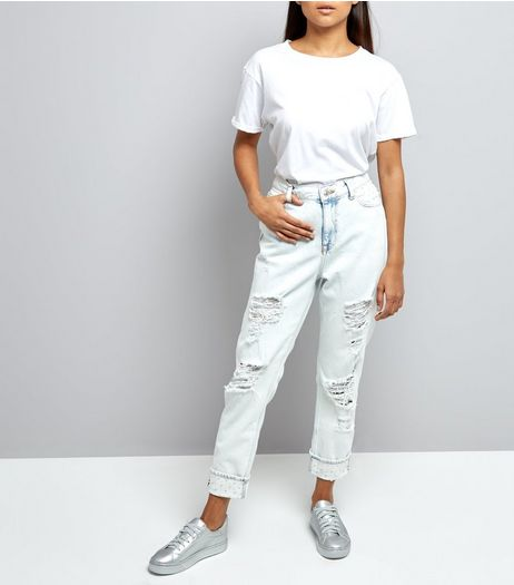 Petite Blue Bleached Pearl Trim Relaxed Skinny Jeans | New Look