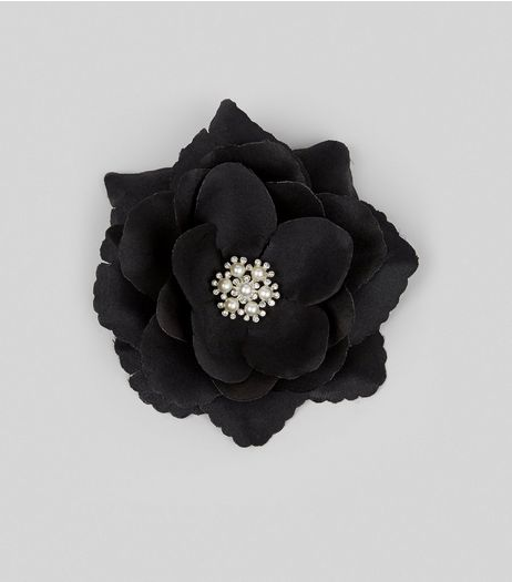 Black Flower Pearl Corsage Hair Clip | New Look