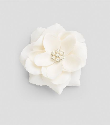 Cream Flower Pearl Corsage Hair Clip | New Look