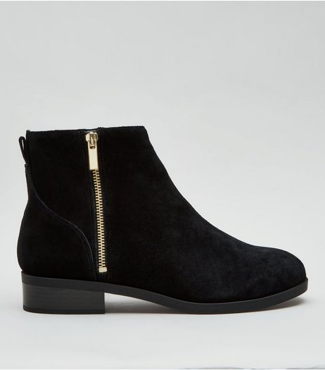 Wide Fit Black Suede Zip Side Ankle Boots | New Look