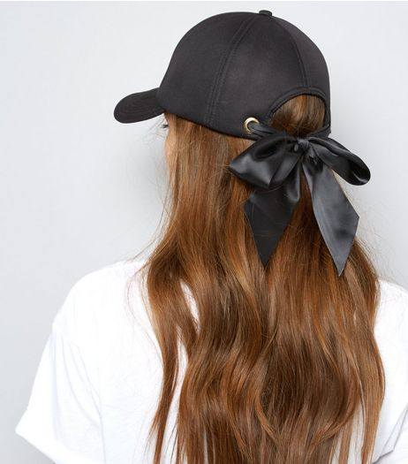 Black Eyelet Bow Cap | New Look