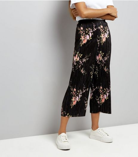 Petite Black Floral Print Pleated Culottes | New Look