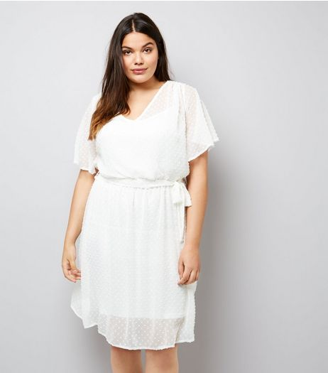 Curves Cream Spot Chiffon V Neck Dress | New Look