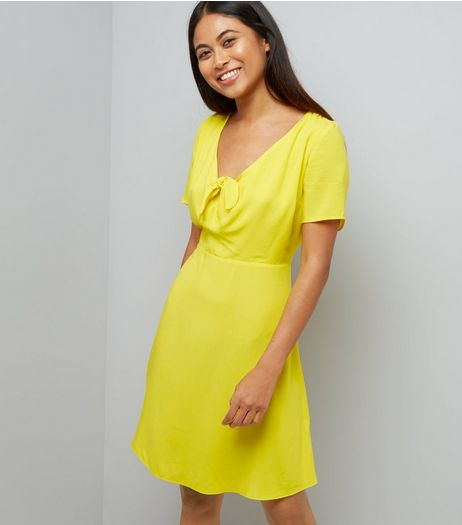 Petite Yellow Knot Front Skater Dress | New Look